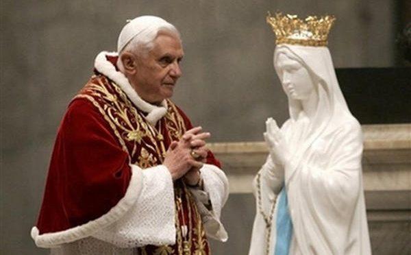 08.12.19: Rosario di Riparazione per l'idolatria in Vaticano