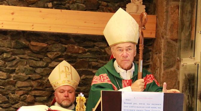 L'Arcivescovo Lenga risponde al fuoco!